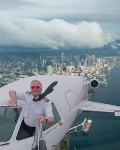 Selfie of the year Diy Storage Projects, Life After Death, Art Plastique, Best Funny Pictures, Airplane View, Airplane Window, Cool Photos, Amazing Photos, Travel Destinations