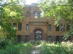 Old School House Nebraska Old School House, School Days, Old Buildings, Abandoned Buildings, Abandoned Castles, Abandoned Places, School's Out Forever, Old Mansions, Nebraska