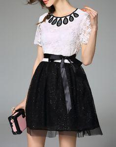 Modern White Short Sleeve Lace Plain Mini Dress