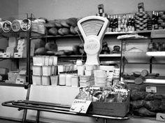 Imádnivaló sorozat, melyekre nagyon jó emlékezni Old Pictures, Old Photos, Vintage Photos, Grand Budapest, The Good Old Days, Historical Photos, Retro Vintage, Vintage Stuff, History