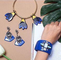 zpr O azul bic e o MUST HAVE da temporada!Como não amar! ❤️❤️❤️#emporiumdasnetas #moda #acessorios #design #estilo #tendencia #instanvendas #garimpo #fashion #dicadepresente #look #euquero #ecommerce #lojaonline #enviamosparatodoobrasil#brasilia #colar #azul #colares #biju #bijulovers #producao #azulbic #blue #loucasporcolar #bomdia