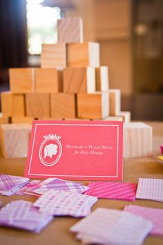 decorate wood blocks at a baby shower / joliejolie design