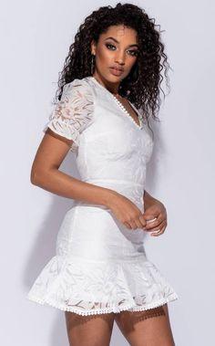 c423c1bed82e Δαντελένιο μίνι φόρεμα λευκό - ΦΟΡΕΜΑΤΑ - ΠΑΝΤΕΛΟΝΙΑ - ΜΠΟΥΦΑΝ - ΜΠΟΥΚΑΜΙΣΑ  - ΤΖΙΝ - ΓΙΑ ΜΟΝΑΔΙΚΟ ΣΤΥΛ   ΠΟΙΟΤΗΤΑ