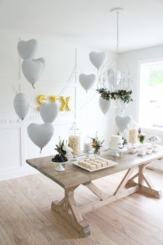 I know this is showcasing the party decor, but love that wall in the background! Dessert Table Birthday, Birthday Party Snacks, Kids Brand, Baby Shower Souvenirs, Frozen Theme Party, Simple Baby Shower, Kids Party Themes, Husband Birthday, Childrens Party