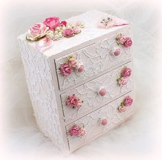 ****Ready To Ship  This jewelry box- keepsake box is absolutely GORGEOUS! The wooden box features 4 little drawers which are perfect to keep jewelry or other small keepsake items. It has been painted in a pretty blush tone, and has been covered in white lace. Gorgeous organza, satin and mulberry flowers, along with pearls and crystal jewels complete the look. This is the perfect gift for the mother-to-be as a baby shower present, or as a birthday gift for a girl. The box measures 6 inches…