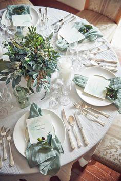【公式】TREND COLLECTIONS SS 2020 | 結婚式場・ウェディング アニヴェルセル Burgundy And Grey Wedding, Green Wedding, Wedding Flowers, Wedding Images, Wedding Designs, Wedding Table, Wedding Reception, Wedding Decorations, Table Decorations