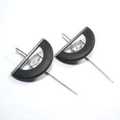 Vladimir Shestakov - Point of power.  The earrings.  Quartz crystals, ebony, silver 925.  Length of the earring 65 mm. http://www.shestakov-jewellery.ru/.