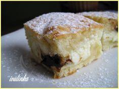 Všechny přísady na těsto vyšleháme v míse.V druhé míse si zpracujeme tvarohovou náplň- opět vše smícháme dohromady - tvarohy, cukr, pudink … Kefir, Kitchen Hacks, Pie, Desserts, Recipes, Food, Torte, Tailgate Desserts, Cake