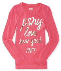 Make a grand entrance in Manhattan without hardly trying in our Long Sleeve Love New York Graphic T!