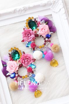 Africa Dress, Romantic Dinners, How To Make Earrings, Makeup Looks, Floral Wreath, Fashion Outfits, Handmade, Cool Crafts, Fabrics
