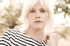 Micky Green, j'adore son style avant sa musique.  La chanson: Nothing to prove