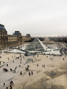 Madewell et Sézane: Madewell designer Somsack's inspiration: Louvre from Above #madewellxsezane