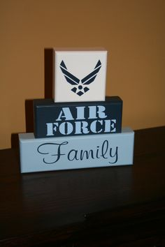 AIR FORCE Blocks Change this up a bit to fit my family and it'll be prefect. Air Force Love, Us Air Force, Airforce Wife, Military Mom, Just In Case, Craft Projects, Diy Crafts, Rustic Crafts, Hand Painted