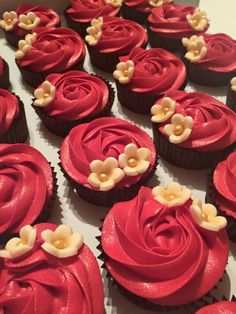 Red rose swirl  #TheCupcakeBoutique #AishaArshad