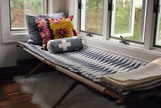 DIY Vintage Army Cot for extra seating / day bed Decor, Furniture, Cot, Extra Bed, Home Projects, Interior, Home, Chic Decor, Guest Bed