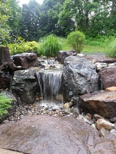 waterfall is undoubtedly the most beautiful feature in a water garden. If space is lacking in your yard Consider a Disappearing Pondless Waterfall! Pond Design, Landscape Design, Garden Design, Outdoor Water Features, Water Features In The Garden, Backyard Water Feature, Ponds Backyard, Backyard Waterfalls, Garden Ponds
