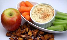 Consumir snacks saludables a media mañana o en la tarde te pueden ayudar a mantener y controlar el nivel de azúcar en sangre.