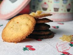 Biscotti allo zenzero candito - Candied ginger cookies #recipe #ricetta #cibo #food #cookies #ginger