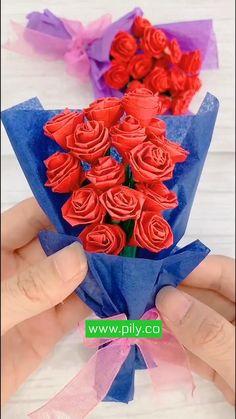 Diy Crafts Hacks, Diy Crafts For Gifts, Diy Arts And Crafts, Handmade Crafts, Paper Flowers Craft, Easy Paper Crafts, Flower Crafts, Paper Flower Tutorial, Origami Tutorial