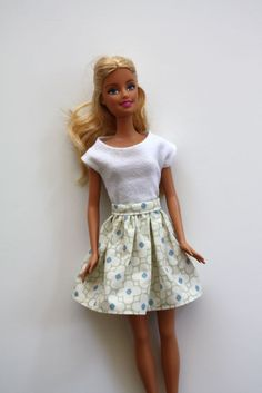 Froufy Barbie skirt tutorial @craftinessisnotoptional.com