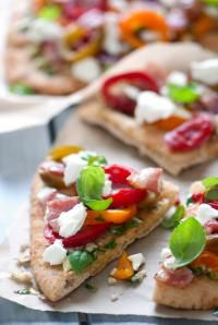 Great for a New Year's Party! // Grilled Pepperazzi™ Pepper & Goat Cheese Flatbread Pizza #recipe #easy #entertaining