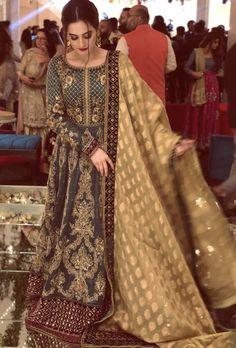 New pakistani bridal dresses Shadi Dresses, Pakistani Formal Dresses, Pakistani Wedding Outfits, Pakistani Wedding Dresses, Pakistani Dress Design, Bridal Outfits, Indian Dresses, Dress Formal, Bridal Dress Design