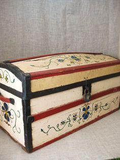 Antique Folk Art Hand Painted Trunk / Pennsylvania Dutch / Trunk / Storage - Farmland Chic on Etsy, $205.00