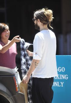 UHQ.-  Jared Leto out and about.- Los Angeles.- 01-06-2014 (via http://celebspix.ru/2014/06/02/jared-leto-out-for-lunch-with-a-friend-in-los-angeles-june-1-2014/