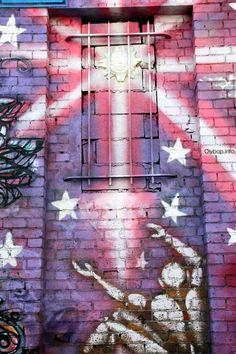 Artist : Jerome Mesnager Street Art Paris http://blog.gaborit-d.com/street-art-paris-fait-le-show-70-photos/..