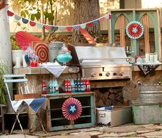 cute little 4th of july party decor. very vintage, fun atmosphere.