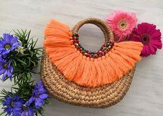 Lindo... Crochet Mittens Free Pattern, Diy Tote Bag, Diy Handbag, Boho Bags, Jute Bags, Basket Bag, Vintage Bags, Basket Weaving, Crochet Projects