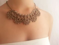 Gold necklace with pearls for wedding / Unique por DIDIcrochet