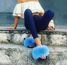 Teal Outfits, Boho Summer Outfits, Cute Sandals, Cute Shoes, Female Werewolves, Fluffy Sandals, Fluffy Slides, Trouser Outfits, Fur Accessories