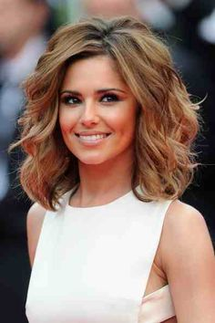 Highlights and shoulder length hair, curly. Love<3
