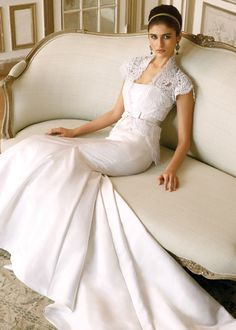 Casual  wedding dress in cream or ivory.