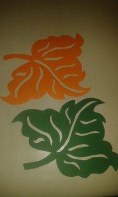 levelek Easy Fall Crafts, Diy And Crafts, Stencil, Leaf Template, Table Runner And Placemats, Class Decoration, Magnolia Flower, Paper Stars, Leaf Art