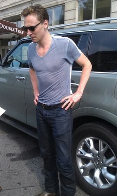 Who the bloody heck looks THIS good in a stinkin vneck and jeans!?!