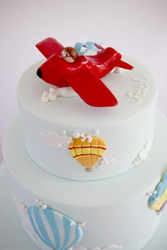 Adorable hot air balloon and airplane cake! Baby Cakes, Baby Shower Cakes, Cupcake Cakes, Hot Air Balloon Cake, Different Cakes, Novelty Cakes, Occasion Cakes, Cakes For Boys, Love Cake