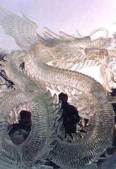 Party decoration for Chinese. Snow Sculptures, Sculpture Art, Metal Sculptures, Abstract Sculpture, Bronze Sculpture, Ice Dragon, Dragon Art, Ice Art, Ice Castles