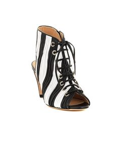 White and black lace-up sandals crinkled leather open back leather sole and lining inner side zipper Heel: 8 cm