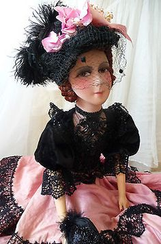 ANTIQUE-FRENCH-BOUDOIR-DOLL-PARIS-EDWARDIAN-C-1920-SILK-FASHION-DOLL