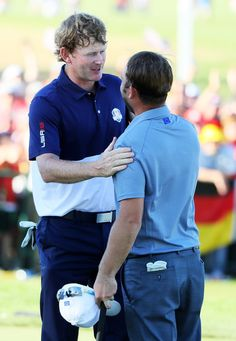 Brandt Snedeker of the United States shakes hands with Andy Sullivan of Europe after Snedeker won their match on the green during singles matches of the 2016 Ryder Cup at Hazeltine National Golf Club on October 2016 in Chaska, Minnesota. Andy Sullivan, Chaska Minnesota, Ryder Cup, October 2, Shake Hands, Golf Clubs, United States, Europe, Green