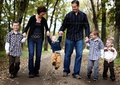 Posing Outdoor Family Portraits - Bing Images