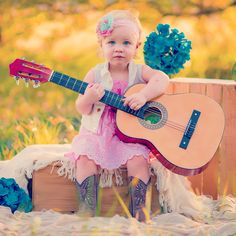 Guitar photography. Guitar children photo. Taylor swift baby. Country toddler photo.