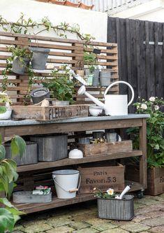 DIY Potting Bench Plans & Ideas To Beautify Your Garden – garden design Potting Bench Plans, Potting Tables, Potting Sheds, Potting Bench With Sink, Outdoor Potting Bench, Back Gardens, Outdoor Gardens, Design Jardin, Garden Planning