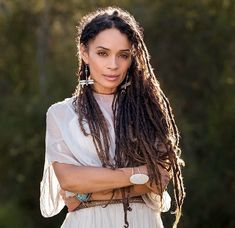 Hair Ideas For The Ladies.Tips with regard to fantastic looking hair. An individual's hair is usually just what can define you as a person. To numerous people today it is definitely vital to have a really good hair style. Hairstyle U Cut. Lisa Bonet, Twists, Dreads, Vision Board Diy, Straight Hairstyles, Cool Hairstyles, Hairstyles 2016, Medium Hairstyles, Nattes Twist Outs