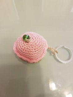 Guarda questo articolo nel mio negozio Etsy https://www.etsy.com/it/listing/448660488/portachiavi-cupcake-realizzato-all