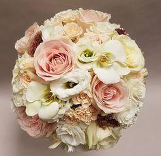 Look at these colours! Bouquet by @radann45 . . . #meijerroses #flowers #flowerstagram #flowerpower #weddings #weddinginspiration #flowerslover #weddingflowers #weddingideas #bride #flowermagic #weddingday #weddingstyle #weddingtime #weddinginspo #weddingseason #bridetobe #photooftheday #weddings #weddingdecor #weddingparty #flower #flowerstalking #bohowedding #rusticwedding