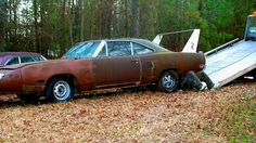 Totally restored now by Graveyard Carz 1969 Dodge Charger Daytona, Dodge Daytona, Abandoned Cars, Abandoned Vehicles, Plymouth Superbird, Futuristic Cars, Sweet Cars, Road Runner, American Muscle Cars