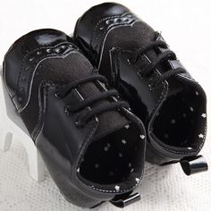 >> Click to Buy << 2017 Handsome Baby Moccasins Black White Leather Baby Boys Shoes Girls Newborn First Walkers Sports  Infant Shoes  #Affiliate